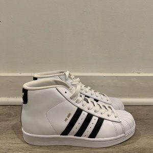 NWT adidas Pro Model Sneaker Women's Size 6.5